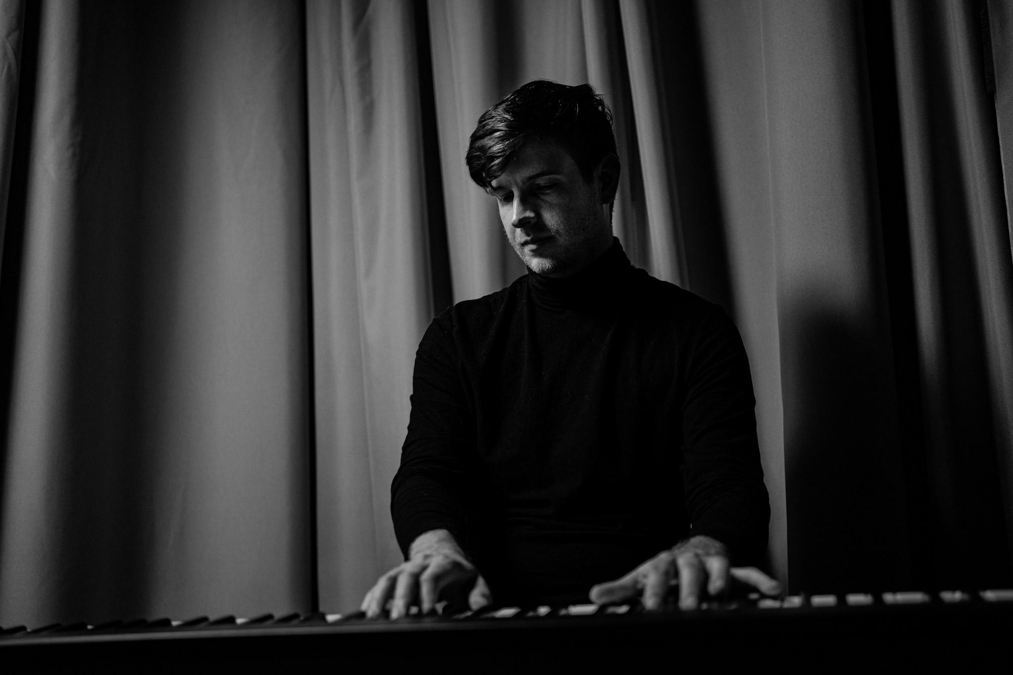 Tymoteusz Tomala piano, syntezatory
