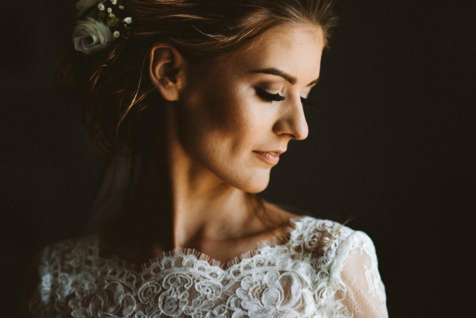 Piękna panna młoda, ślubny portret panny młodej