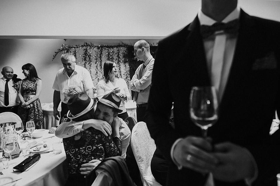 Goście weselni na ślubie