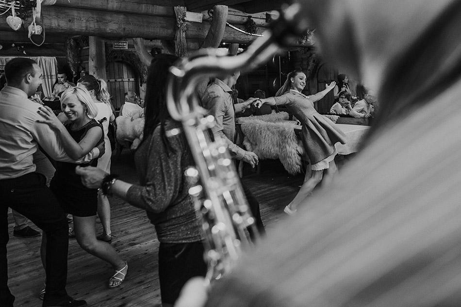 Szalona impreza w karczmie góralskiej w Koniakowie