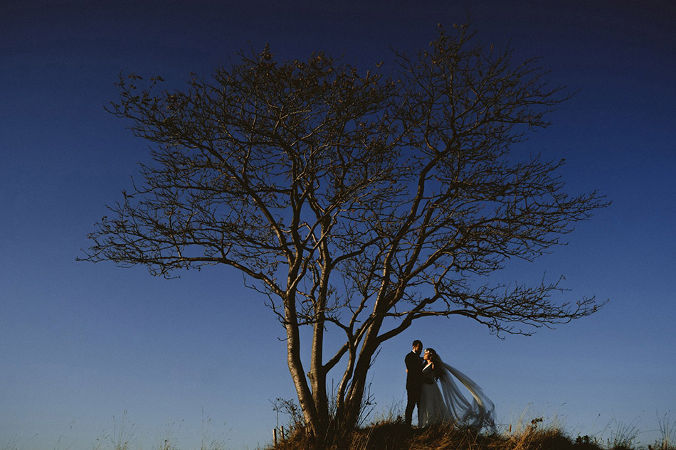 Naturalny plener ślubny w górach