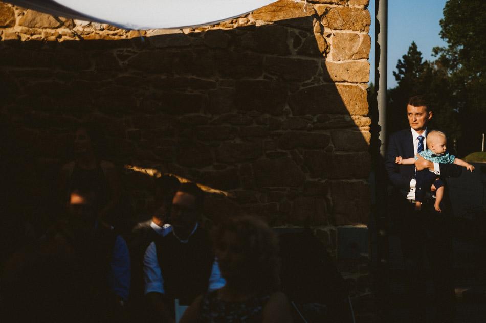 ciekawe zdjęcia gości podczas ślubu humanistycznego