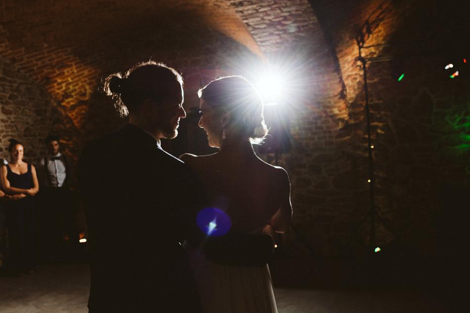 pierwszy taniec młodej pary w Dolinie Cedronu