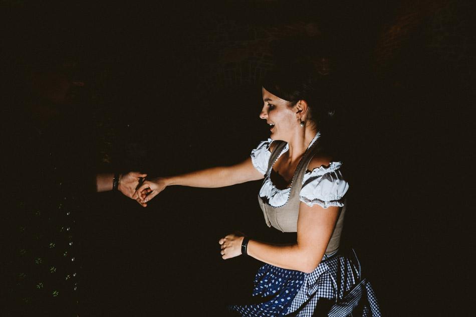 tańce gości podczas wesela