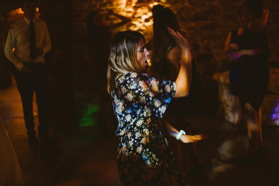Tańce weselne na parkiecie